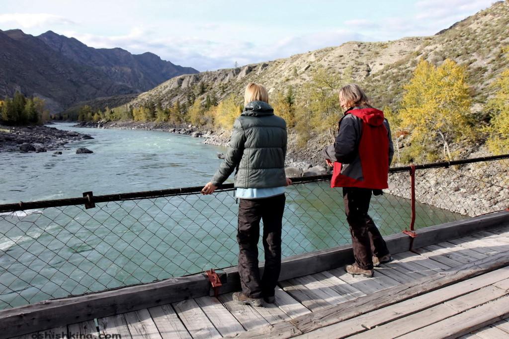 Горный Алтай. мост через рекуКатунь